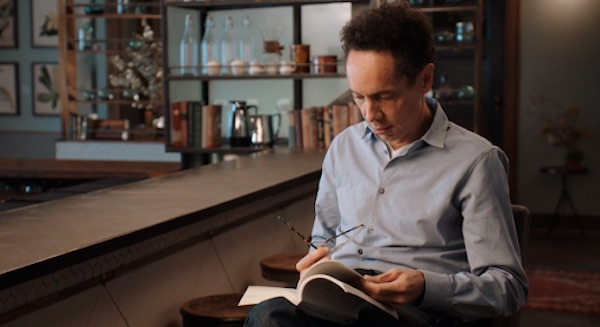 Picture of Malcolm Gladwell reading