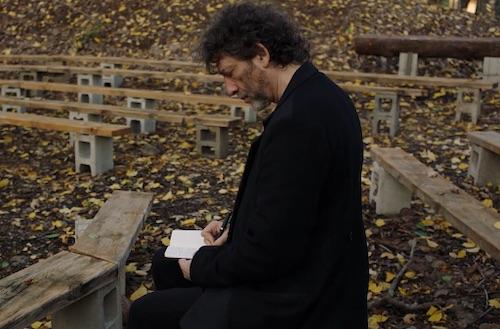 Neil Gaiman sharing a story