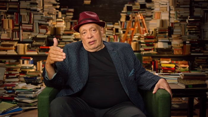 Walter Mosley explaining a writing concept