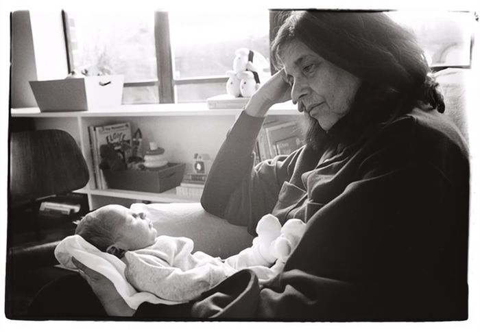 Susan Sontag with Annie's daughter