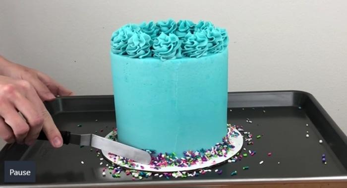 Emily Friend teaches The Basics of Cake