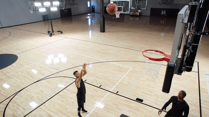 Steph Curry about to score